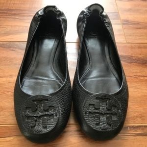 Barely Worn Tory Burch Leather Flats (Black)